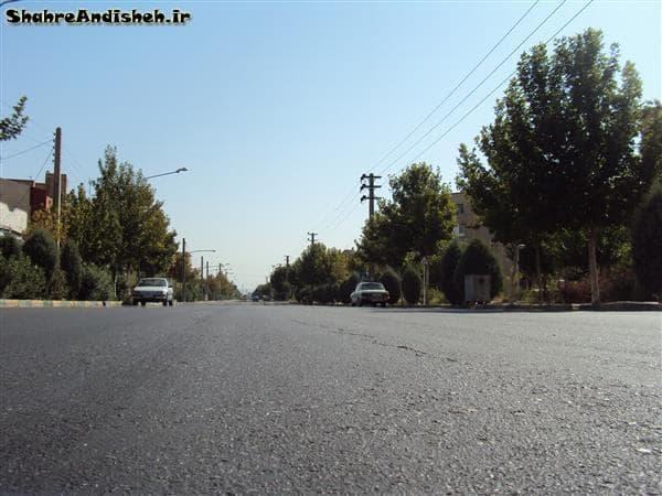 خیابان ولیعصر اندیشه